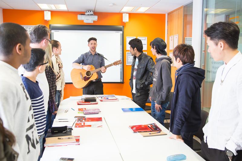 Ec Language School Brighton Study English In Brighton